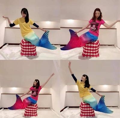 福岡マーメイドチームでは、 可愛いジェリーフィッシュのチェアを使って素敵なポージング Mermaid on the Rock!
